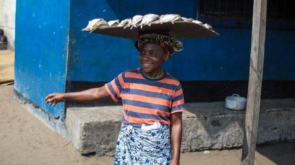 El Hospital San Juan de Dios de Santurtzi pone en marcha una campaña para el empoderamiento de 60 mujeres de New Kru Town, en Monrovia (Liberia)
